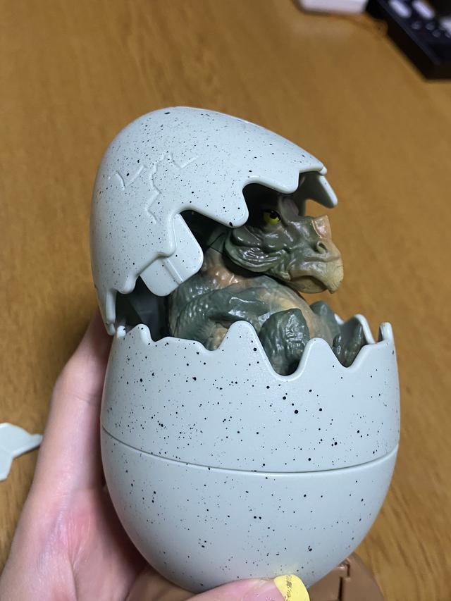 画像: 恐竜の孵化シリーズ(貯金箱)