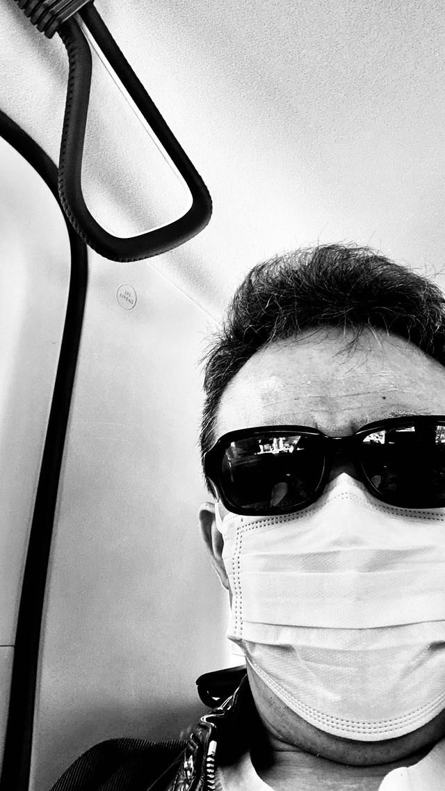 画像: 呼吸法取得のためにマスクをしている(嘘)