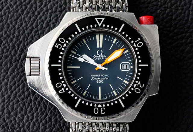 画像: 腕時計というよりスパイ道具のような印象を持つプロプロフ。このガジェット感がたまらない