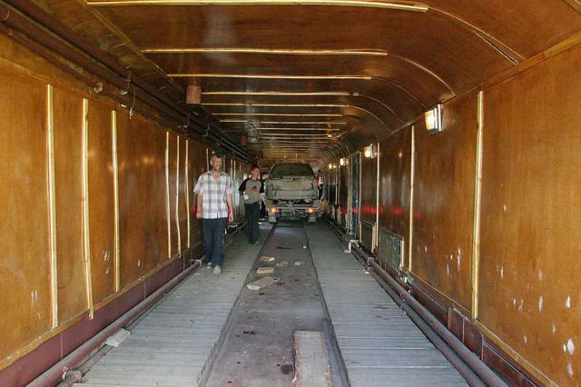 画像: カルディナを積んだのは、この「コンテナ」と呼ばれる有蓋車だ。