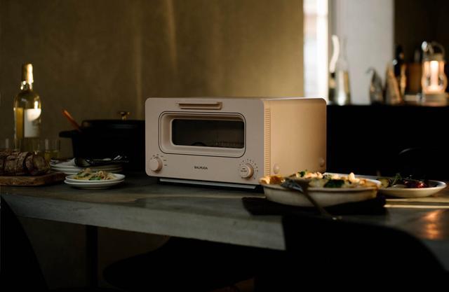 """画像4: バルミューダのトースターが進化!新色&新機能で""""サクふわ""""焼き立てパンを実現"""