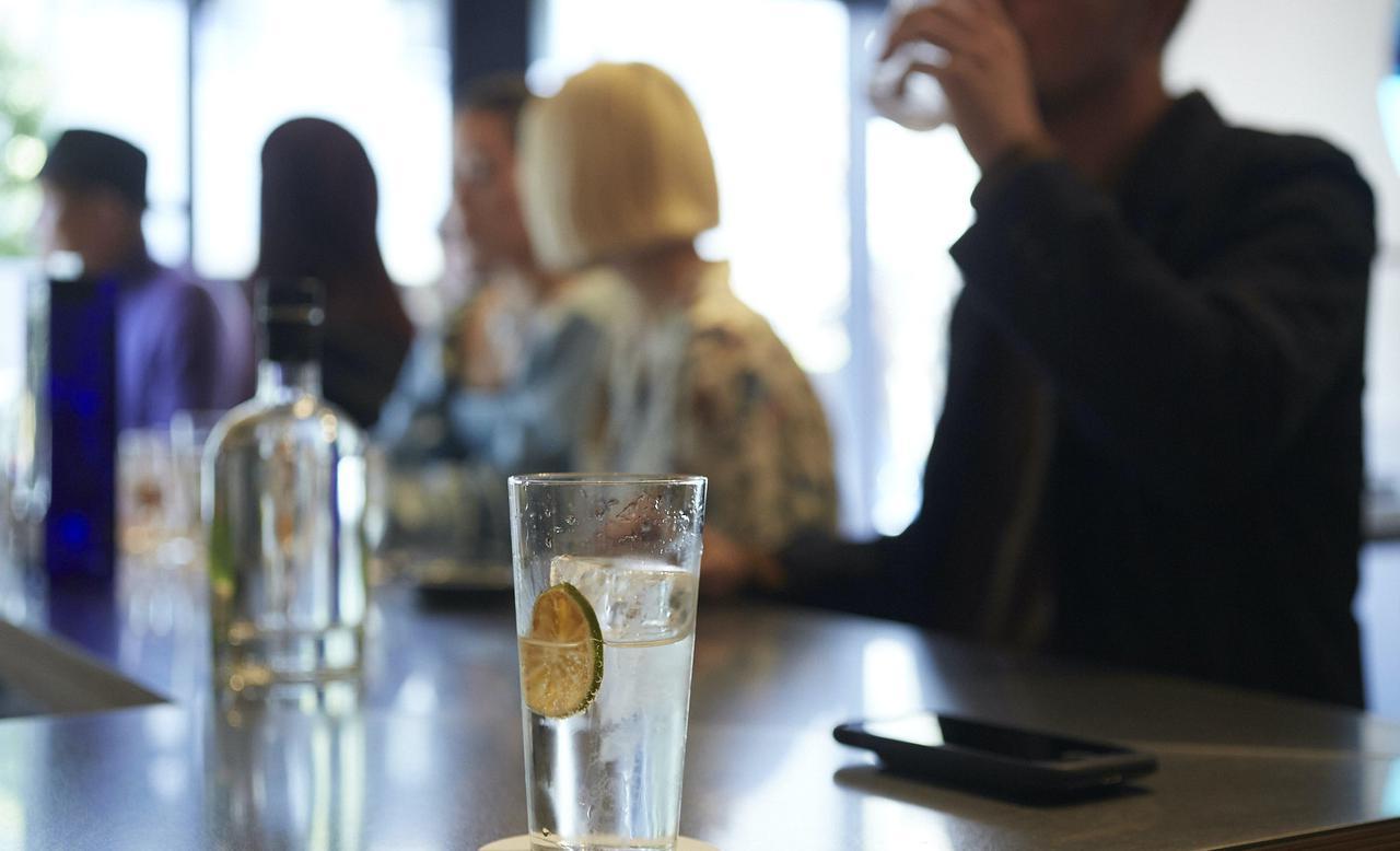 画像1: 日本初!世界のジンが味わえるジントニック専門店『Antonic』がオープン