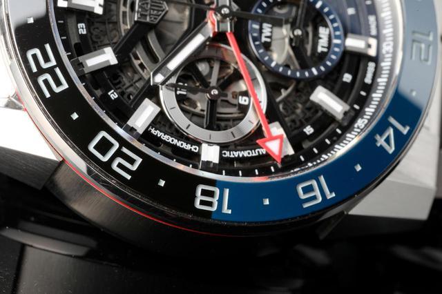 画像: GMT搭載時計ではお馴染みのツートンベゼル