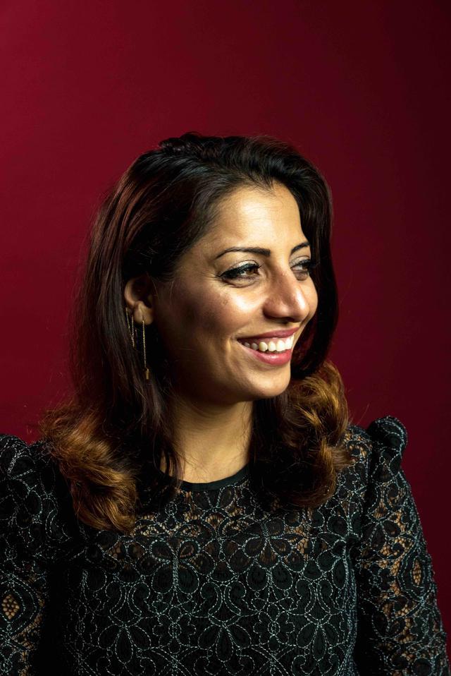 画像: Sepideh Sedaghatnia (セピデ・セダガートニア) 2015年にアントワープにて自身のワインバーをオープン。ワインに関する書籍も出版している。