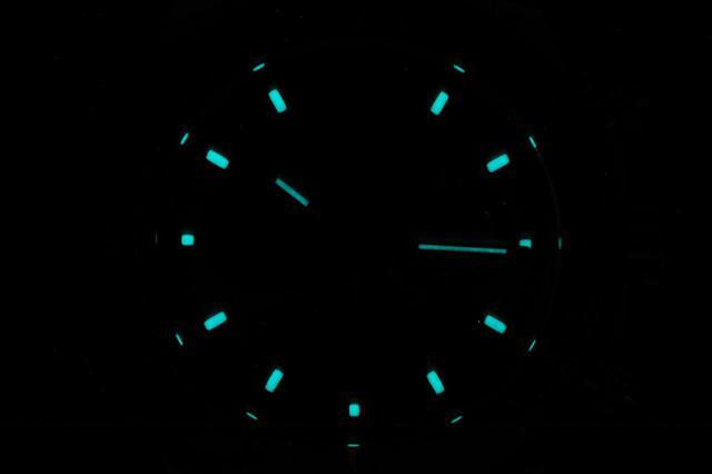画像: ロレックス独自開発のクロマライト夜光