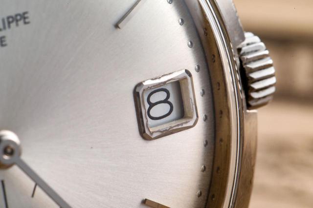 画像: 3時位置のデイト表示
