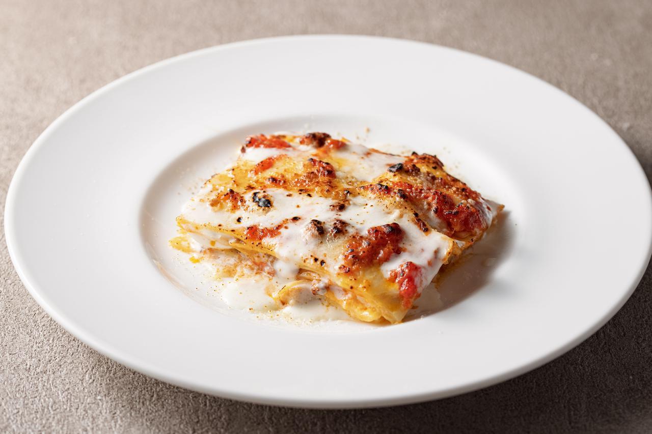 画像: ポルチーニとミートソース、卵の木こり風ラザニア  1,600円(税込)