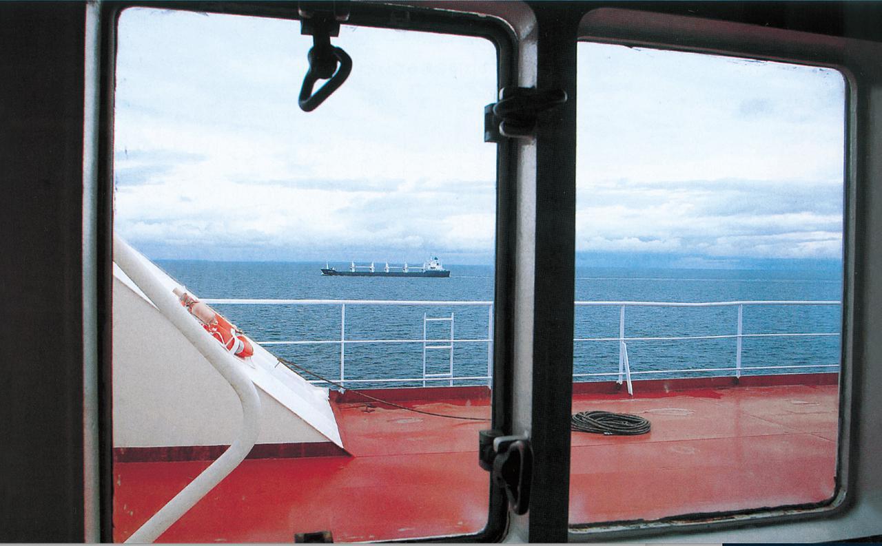 画像: フェリーで渡るバルト海