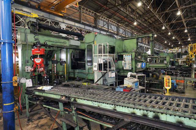 画像: グリーンの機械がスピニングマシン