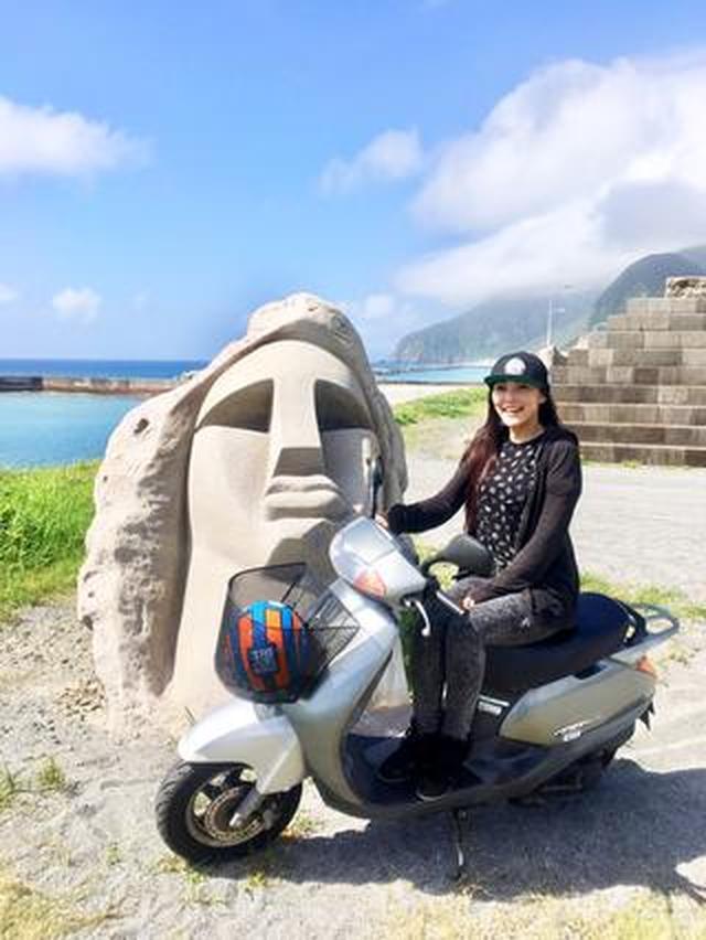 画像: 新島レンタルバイクツーリング、青い海と空に導かれる旅。まるでパルテノンな温泉にも入ってきました!(福山理子)