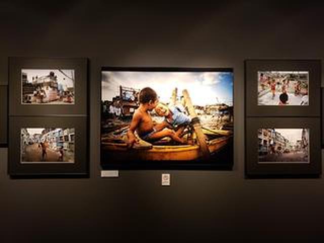 画像: 森田雅章&吉田尚広『死者と共に暮らす人達 フィリピン「ナボタス墓地」』が新宿にて開催中です!