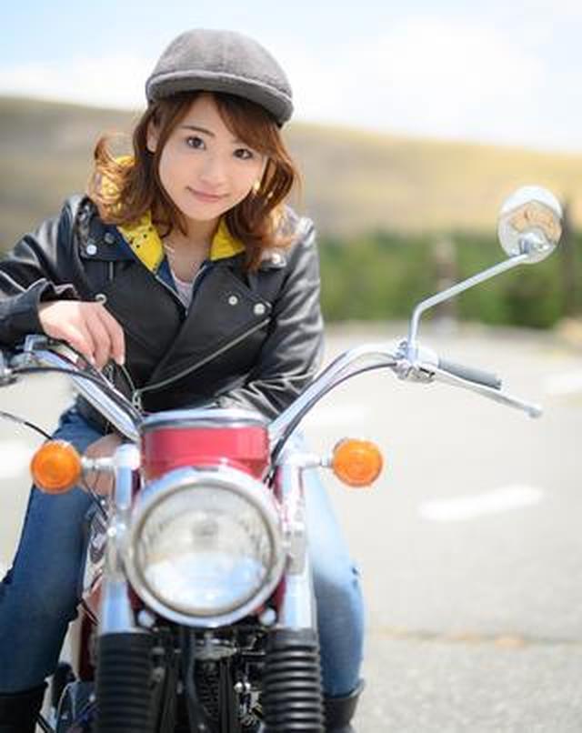 画像: 平嶋夏海×KAWASAKI 650-W1【オートバイ女子部のフォトアルバム】