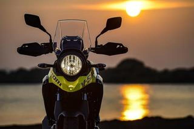 画像: スズキ Vストローム250 ABS2「オートバイの格好良いとは何か」(撮影2017年)【カメラマン 柴田直行/俺の写真で振り返る平成の名車】第9回