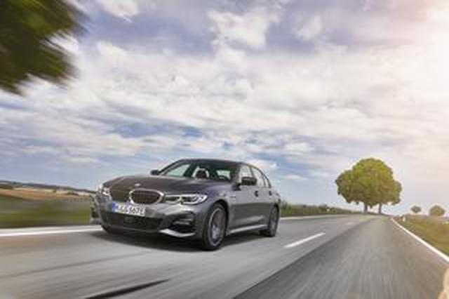 画像: 【海外試乗】EV走行距離も増えて、よりクリーンでスマートになった「BMW 330e M Sport」