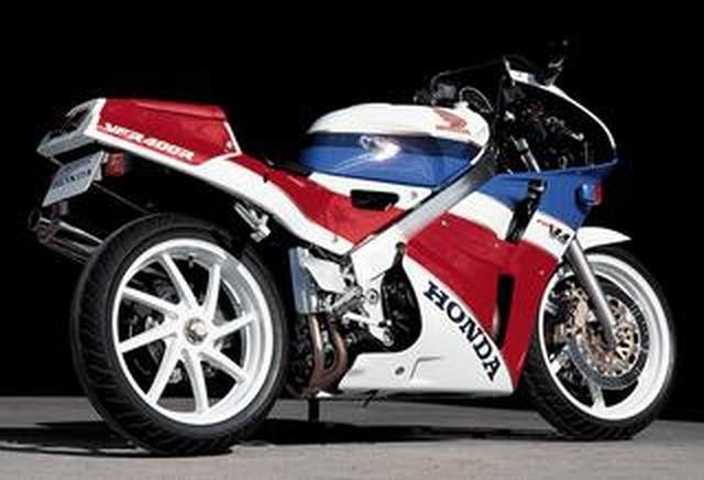 画像: 【プレイバック80's】Honda VFR400R〔NC30〕V型4気筒エンジン搭載のスーパースポーツ(1989年)