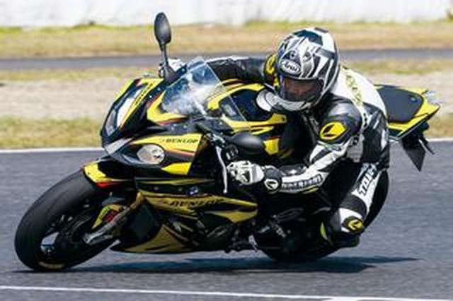 画像: 元WGPライダーのタイヤインプレ! アメリカ生まれのハイパースポーツラジアルタイヤ『DUNLOP SPORTMAX Q4』