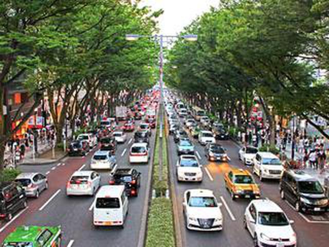 画像: 【くるま問答】新車販売は減っているのに保有台数は約30年で40%増加。その理由とは!?