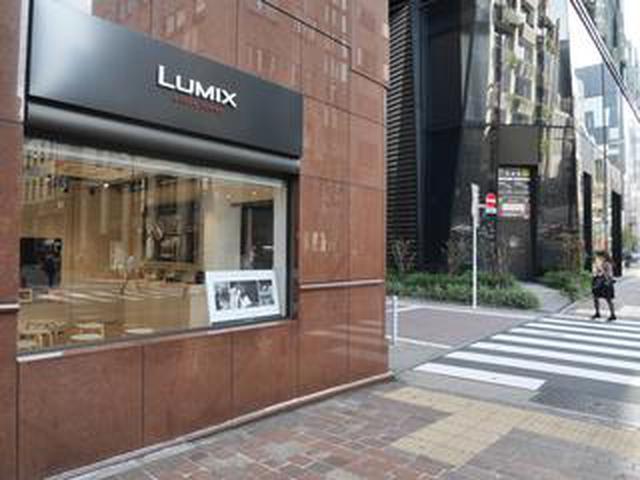 """画像: 田川梨絵さんによる写真展「私の手の中に花を摘む」が東京・銀座"""" LUMIX GINZA TOKYO""""にて11月27日(水)まで開催中。"""