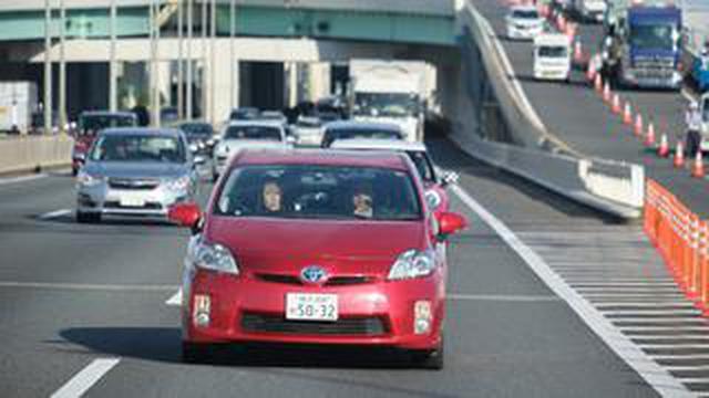 画像: ドライブ講座を首都高速道路が開催。車線変更や合流など、運転が苦手な人向けの講習