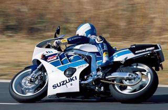 画像: 90年代を駆け抜けた「4スト4気筒400&250スポーツ」CBR・FZR・FZR・ZXR【花の90年代組】