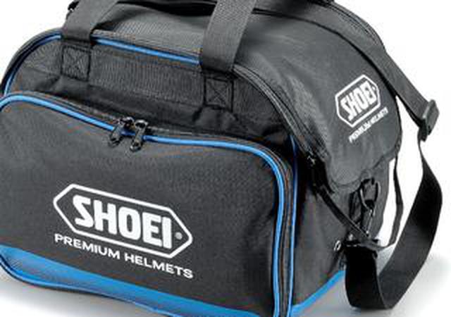 画像: SHOEIが新しいヘルメットバッグを発表! 出し入れしやすいメイン気室、グローブなどを収納できるポケットも装備