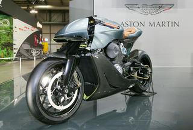 画像: 約1300万円! アストンマーティン×ブラフシューペリアという夢の英国コラボで実現したプレミアム・バイク「AMB001」を詳解