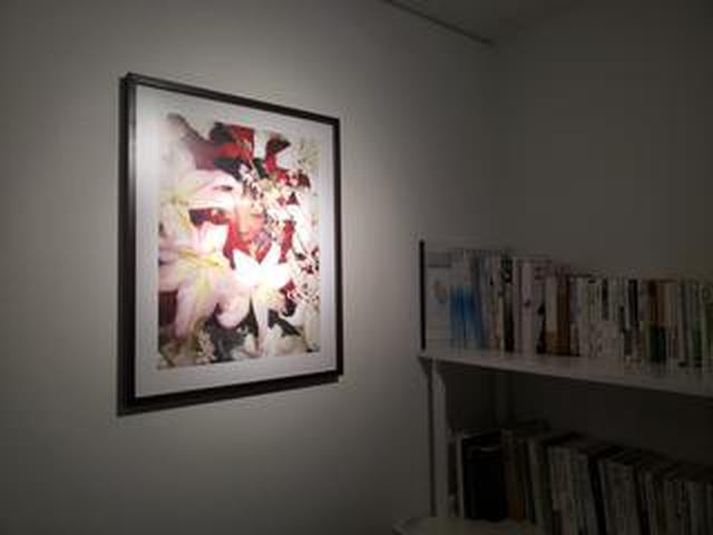 画像: 勝又公仁彦写真展「わたくしのいもうと My youngest sister」が東京・銀座のIG Photo Galleryにて開催中です。 最終日2月15日(土)には喪失と悲嘆をめぐる鑑賞者との対話セッションも。