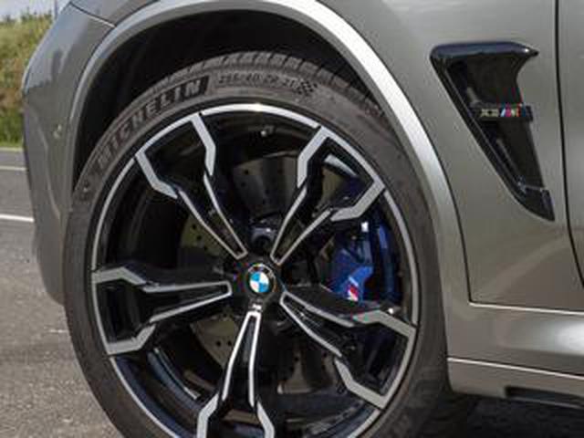 画像: 【くるま問答】タイヤサイズ表記の謎。メートルとインチが混在し、タイヤ幅が必ず「5」で終わるワケ
