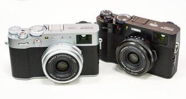 画像: バイクツーリングでも携行しやすいサイズ感! 富士フイルムからレンズ一体型高級カメラ「X100V」新登場