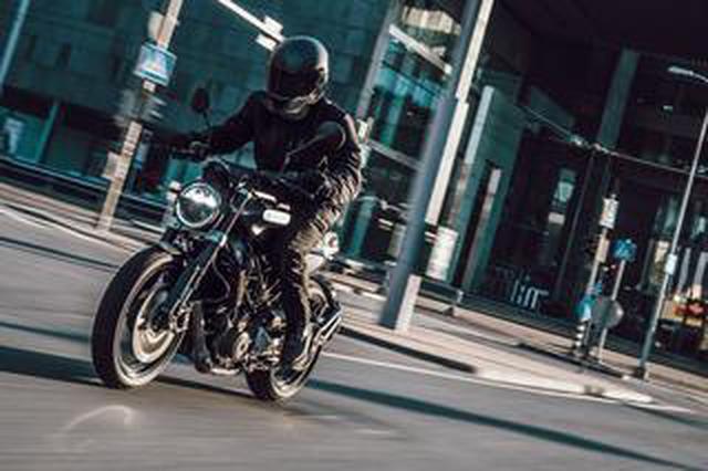 画像: 【新車】ハスクバーナ待望の250ccストリートモデル「SVARTPILEN 250」が登場! 価格と発売時期も明らかに!