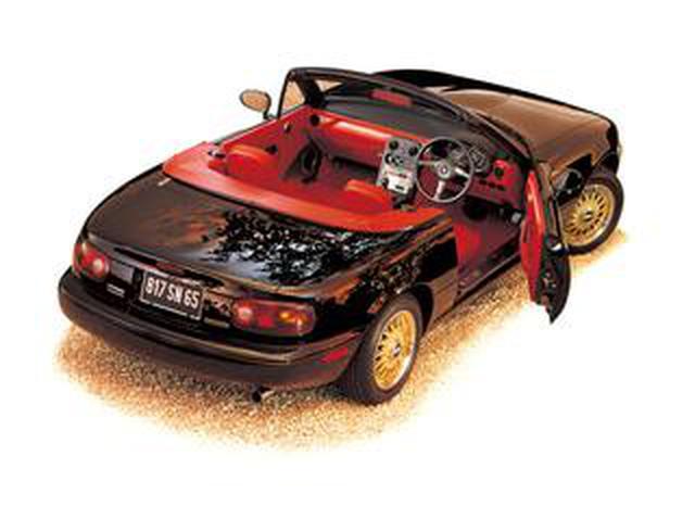 画像: 【特別なロードスター NA編04】まっ黒なボディに、まっ赤なインテリア! 情熱のラテン系は限定1000台で登場!
