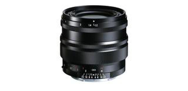 画像: フォクトレンダーNOKTON 35mm F1.2、ソニーEマウント用の新デザインSEシリーズで、コシナから5月発売。価格は11万5000円(税別)。