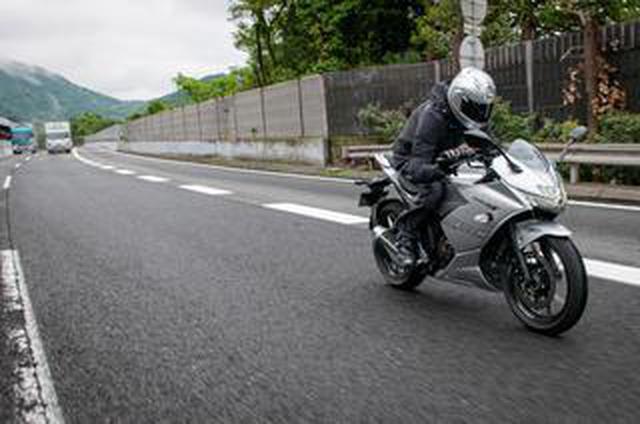 画像: 空冷とも水冷とも違うスズキ新型『ジクサーSF250』のパワー感。高速道路はどう感じる?【SUZUKI GIXXER SF 250/試乗インプレ2】