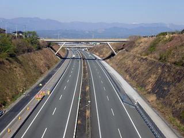 画像: 新東名高速の御殿場JCT〜浜松いなさJCT間の6車線化が2020年7月16日に一部区間で完成