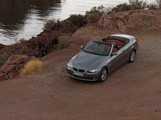 画像: 【ヒットの法則283】BMW335iカブリオレのしなやかなフットワークはボディ下部の補強によるものだった