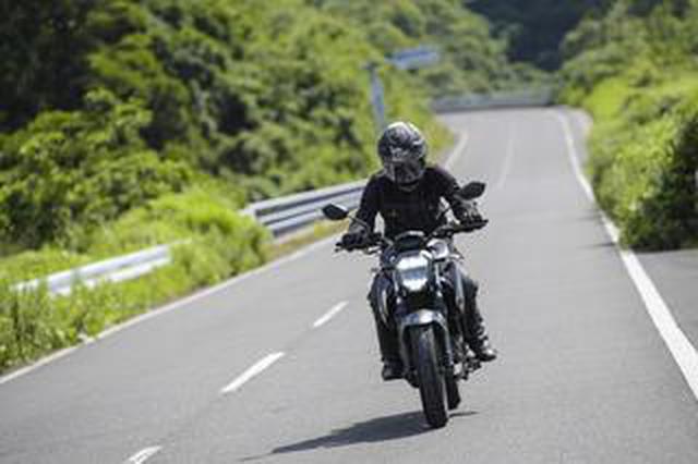 """画像: 《後編》燃費も良いし、航続距離もけっこうある。スズキの新型ネイキッド『ジクサー250』はツーリングも快適な""""万能250ccバイク""""かも?【SUZUKI GIXXER 250/試乗インプレ3】"""