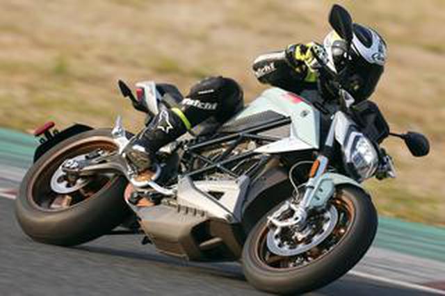 画像: 最高時速200km! 電動大型スポーツバイク ZERO「SR / F」試乗インプレ・車両解説(2020年)