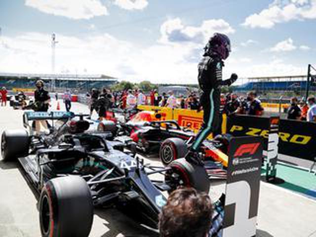 画像: F1イギリスGP予選、ハミルトンが圧巻のタイムでポールを獲得。フェルスタッペンは3番手【モータースポーツ】
