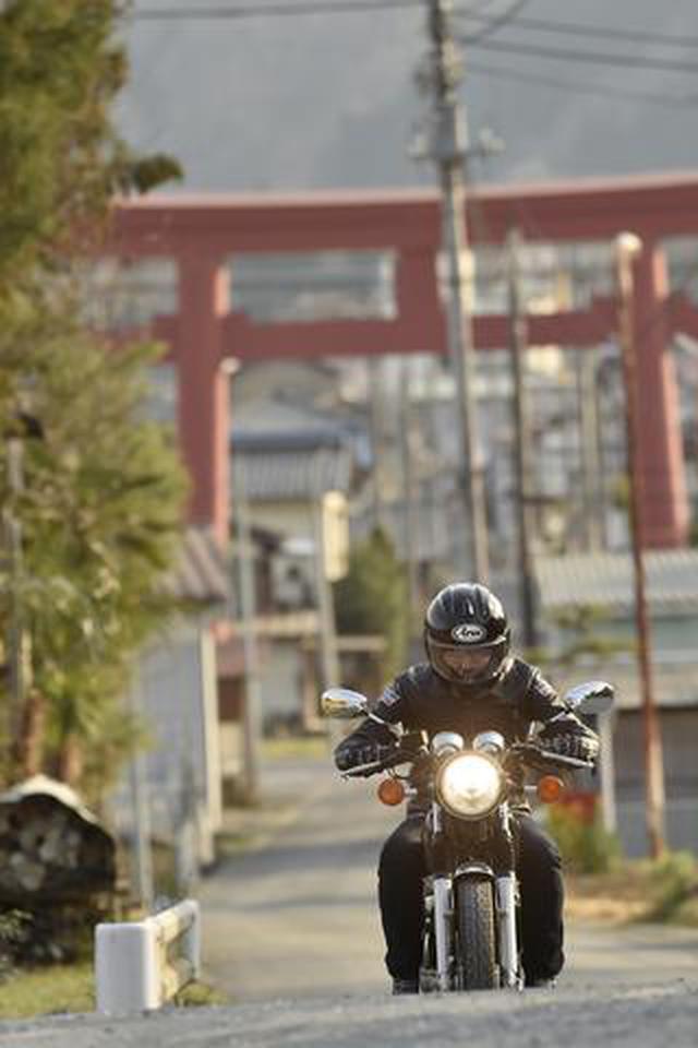 画像: バイク乗りが秩父に集まる理由とは?「小鹿神社」と名も無き小さな神社を巡る/神社巡拝家・佐々木優太の「神社拝走記」【第11回】(埼玉県)