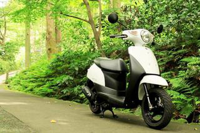 画像: スズキ『レッツ』で鎌倉散歩! バイク初心者必見。 50cc原付スクーターのメリットやデメリットは?【穴が空くまでスズキを愛でる/レッツ 試乗インプレ6】
