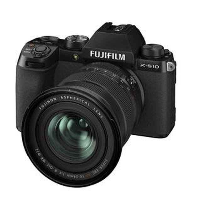 画像: 富士フイルムは小型軽量のミラーレスカメラ「X-S10」を発表。 発売は2020年11月19日。ボディ単体で税別12万円。