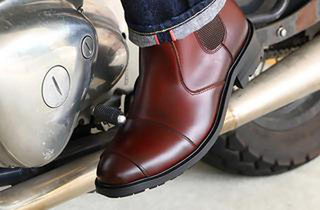 画像: バイク用ブーツを〈楽さ〉で選ぶなら「サイドゴア」は有力! 脱ぎ履きしやすく歩きやすい、普段履きもできる優れもの