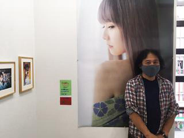 画像: 佐藤すみれ×魚住誠一写真展『Purple Kiss』は、渋谷ギャラリー・ルデコで開催中です!!