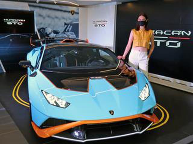画像: ランボルギーニ ウラカンのニューバージョン「STO」を発表。640hpのV10エンジンで後輪を駆動