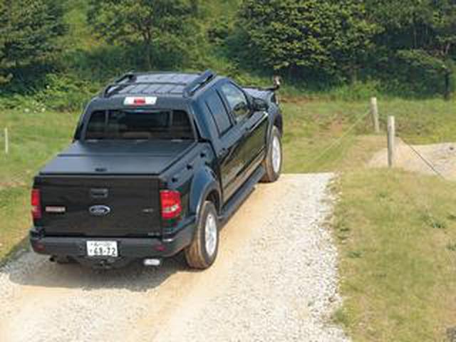 画像: 【試乗】5代目フォード エクスプローラー、初代エスケープには悪条件下でも安心して走れる余裕があった【10年ひと昔の新車】