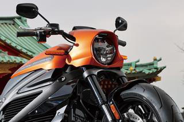 画像: ハーレーダビッドソンの電動バイク「ライブワイヤー」の加速性能は1000ccスーパースポーツ並み? その特徴を簡単解説