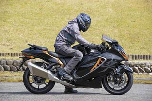 画像: 新型『隼(ハヤブサ)』の燃費や足つき性は? おすすめポイントや人気の装備、価格やスペックを解説します【スズキのバイク!の新車図鑑▶大型バイク編/SUZUKI Hayabusa(2021)】