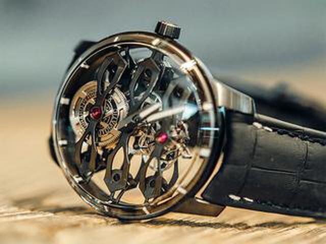 画像: アストンマーティンとジラール・ペルゴのパートナーシップで生まれた腕時計。わずか18本の限定生産