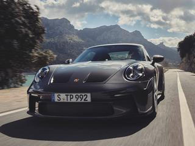 画像: ポルシェ 911 GT3ツーリングパッケージは確かに控えめなフォルム。それでも隠しきれない鋭い爪とは