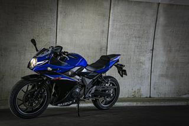 画像: 『GSX250R』の燃費や足つき性は? おすすめポイントや人気の装備、価格やスペックを解説します【スズキのバイク!の新車図鑑▶250cc編/SUZUKI GSX250R (2021)】